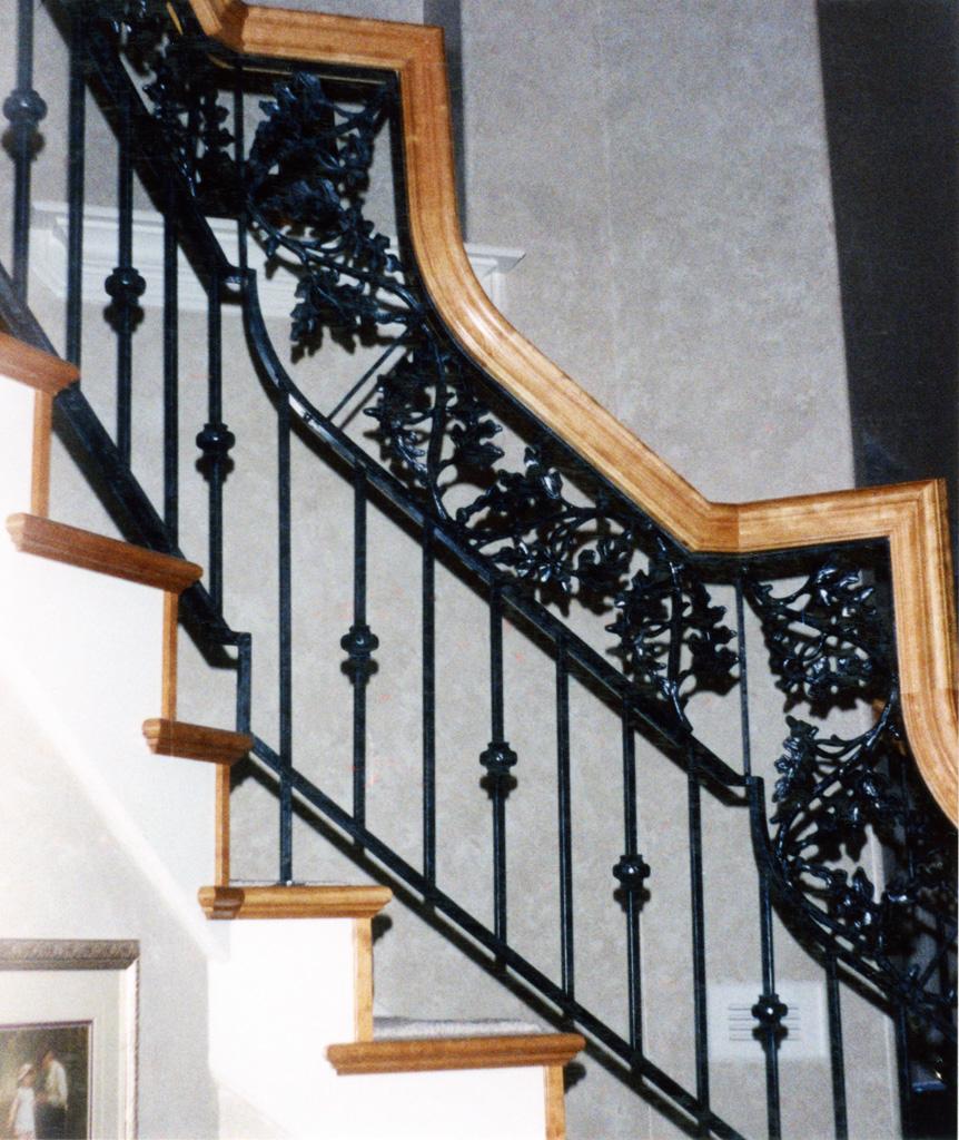 iron-anvil-railing-double-top-valance-casting-oak-classic-milkyhollow-10-4511-rail-interior-model-home-2-10