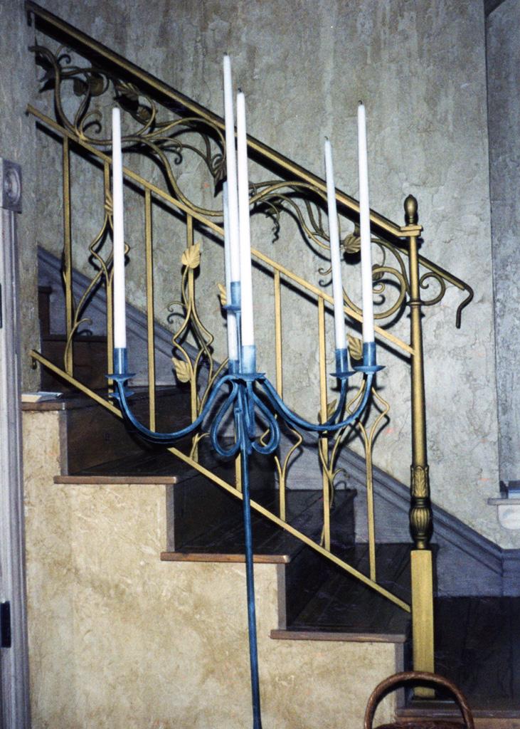 iron-anvil-railing-double-top-valance-vine-12-0099-c-4