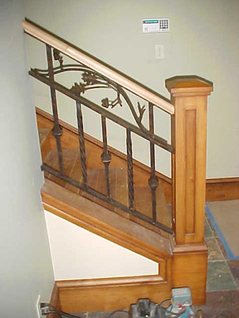 iron-anvil-railing-double-top-valance-vine-sletta-5-3