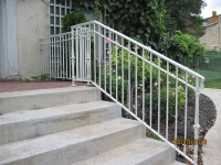 iron-anvil-railing-double-top-simple-keller-ferris-rental-1-1