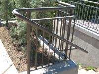 iron-anvil-railing-double-top-simple-watts-bonnemart-rail-2