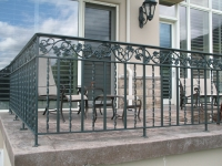 iron-anvil-railing-double-top-valance-casting-twist-chateau-on-the-green-1
