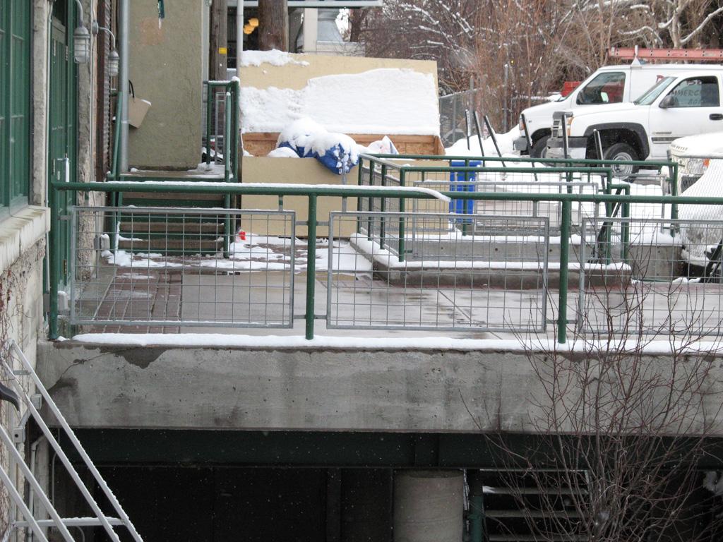 iron-anvil-railing-grid-wire-firestone-blg-2