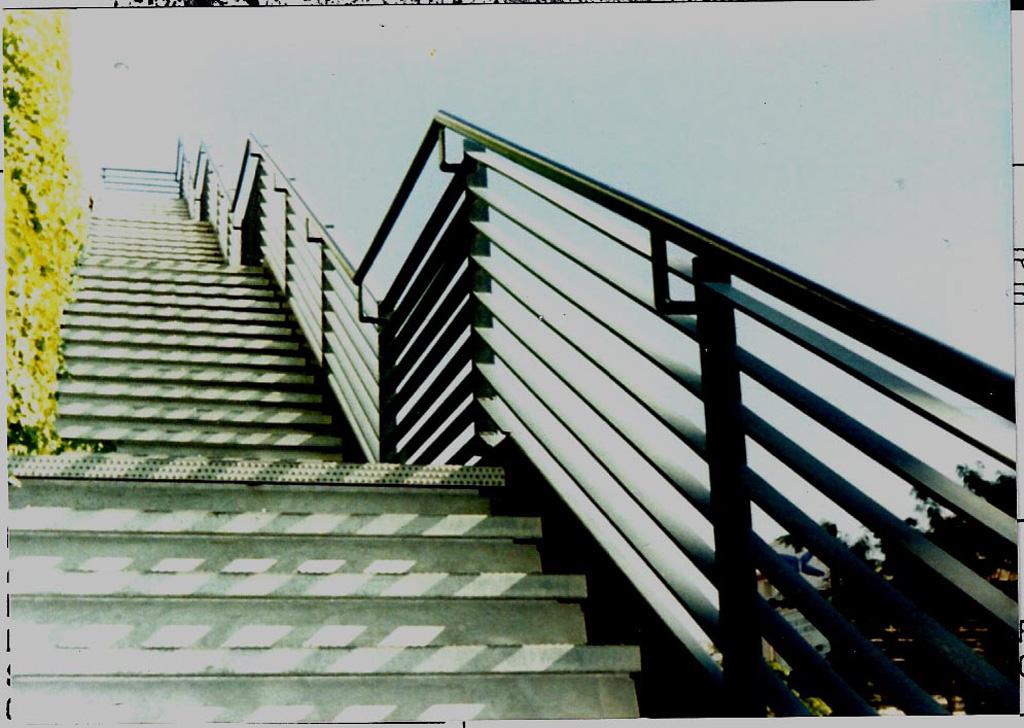 iron-anvil-railing-horizontal-flat-bar-131210-gastronomy-dmc-job-5876-0