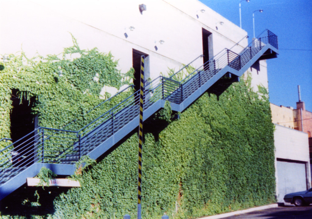 iron-anvil-railing-horizontal-flat-bar-131210-gastronomy-dmc-job-5876-1