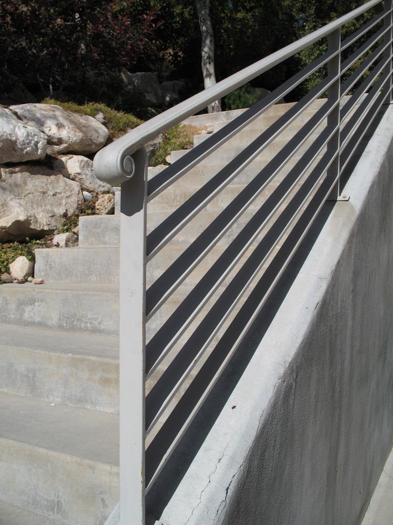 iron-anvil-railing-horizontal-flat-bar-17th-ave-1