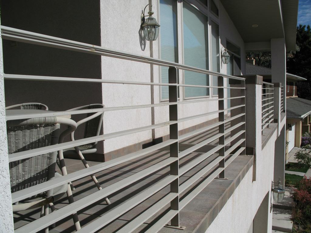 iron-anvil-railing-horizontal-flat-bar-17th-ave-2