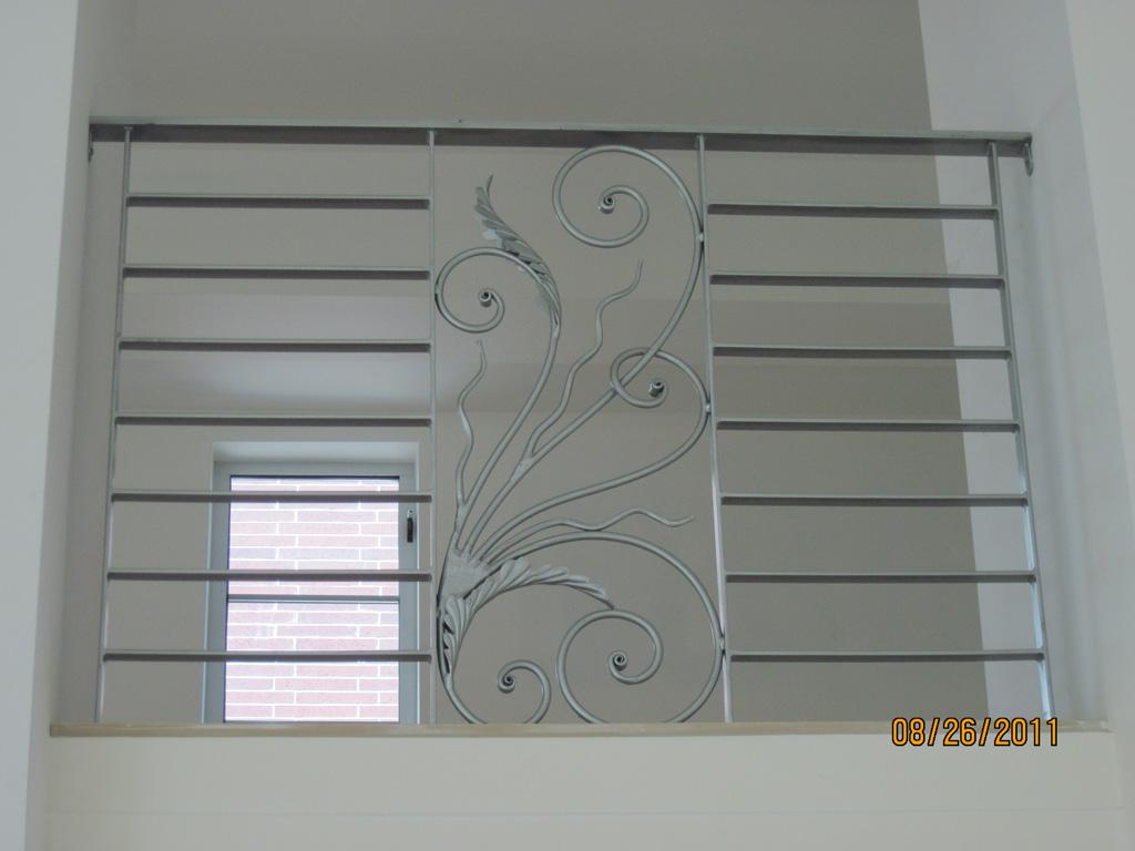 iron-anvil-railing-horizontal-flat-bar-steel-pattern-urban-h-street-unit-b-1