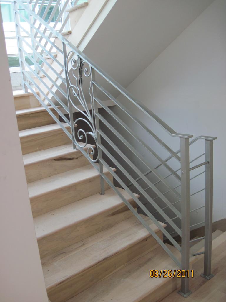 iron-anvil-railing-horizontal-flat-bar-steel-pattern-urban-h-street-unit-b-3