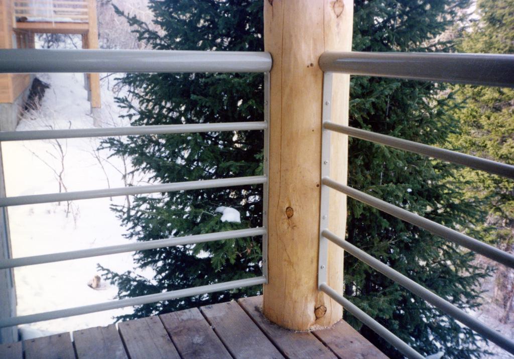 iron-anvil-railing-horizontal-pipe-13-4406-tube-nielsen-bountiful-3