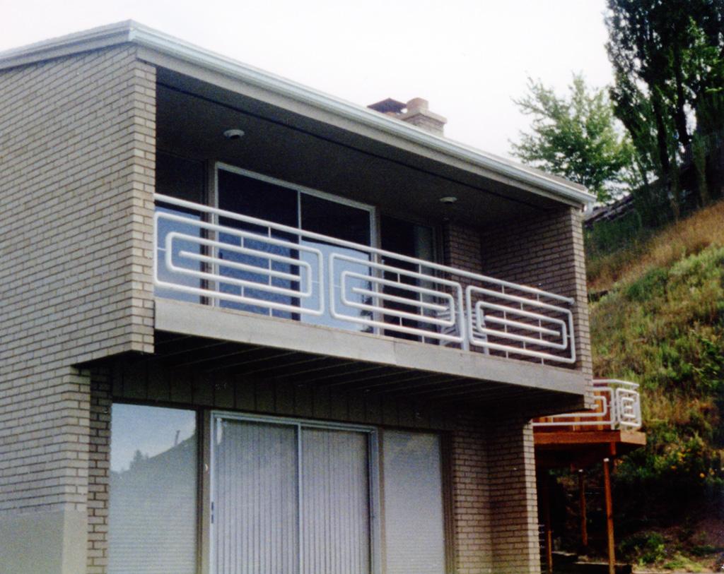 iron-anvil-railing-horizontal-pipe-xxxx-18th-ave-4