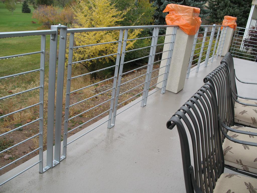 iron-anvil-railing-horizontal-round-bar-steve-johnson-bonneville-dr-4