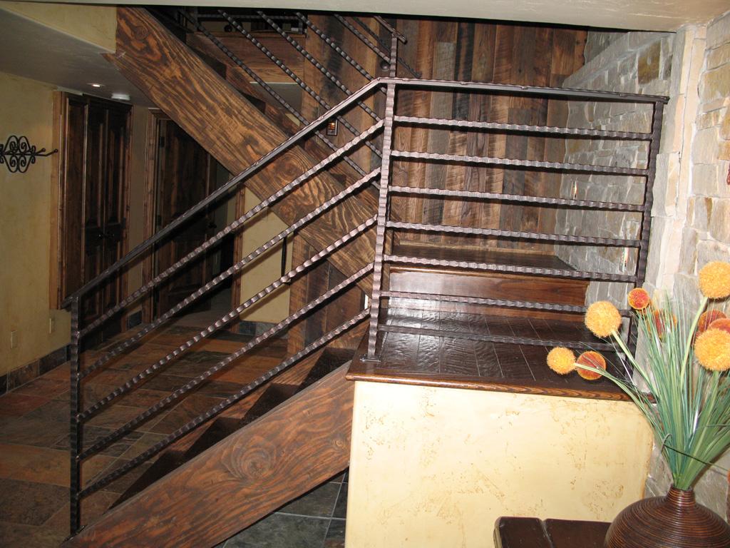 iron-anvil-railing-horizontal-square-bar-hammered-total-mtn-mgmt-lot-555-woodside-park-city-7