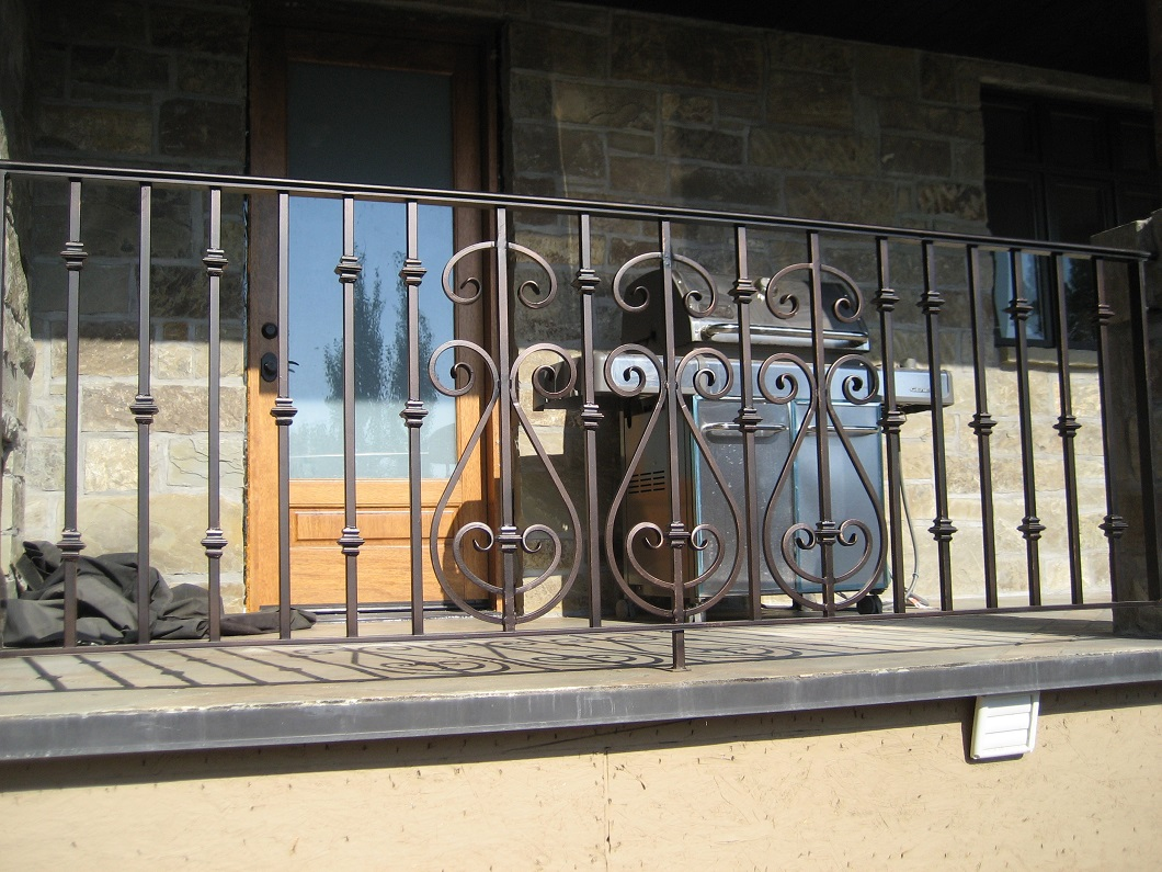 14-7810-Iron-Anvil-Railing-Scrolls-And-Patterns-Repeating-HARPER-15940-1