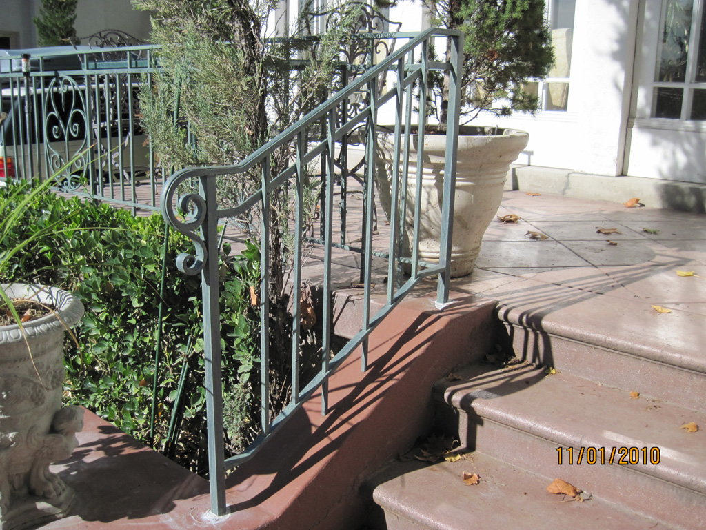 iron-anvil-railing-scrolls-and-patterns-double-panels-castings-brook-bradley-14912-repair-antique-rail-so-temple-3