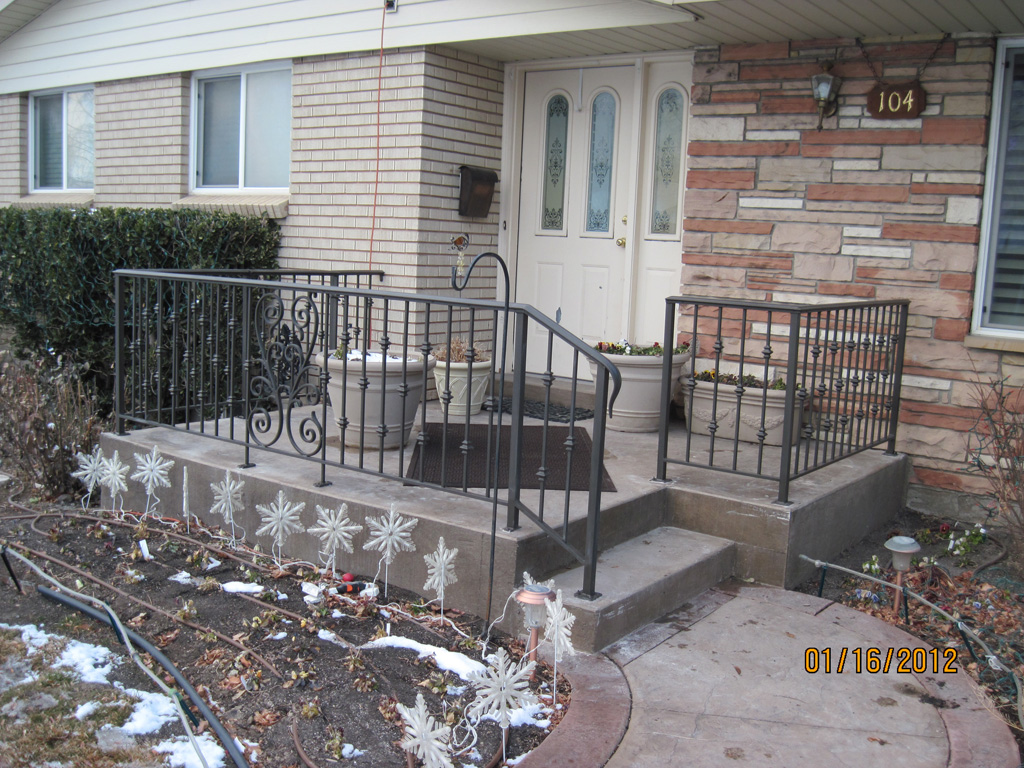 iron-anvil-railing-scrolls-and-patterns-double-panels-castings-collars-pattern-litster-15925-r148-r149-r150-2