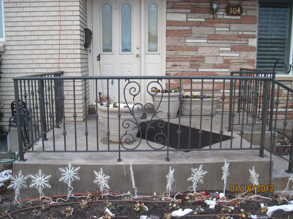iron-anvil-railing-scrolls-and-patterns-double-panels-castings-collars-pattern-litster-15925-r148-r149-r150-3