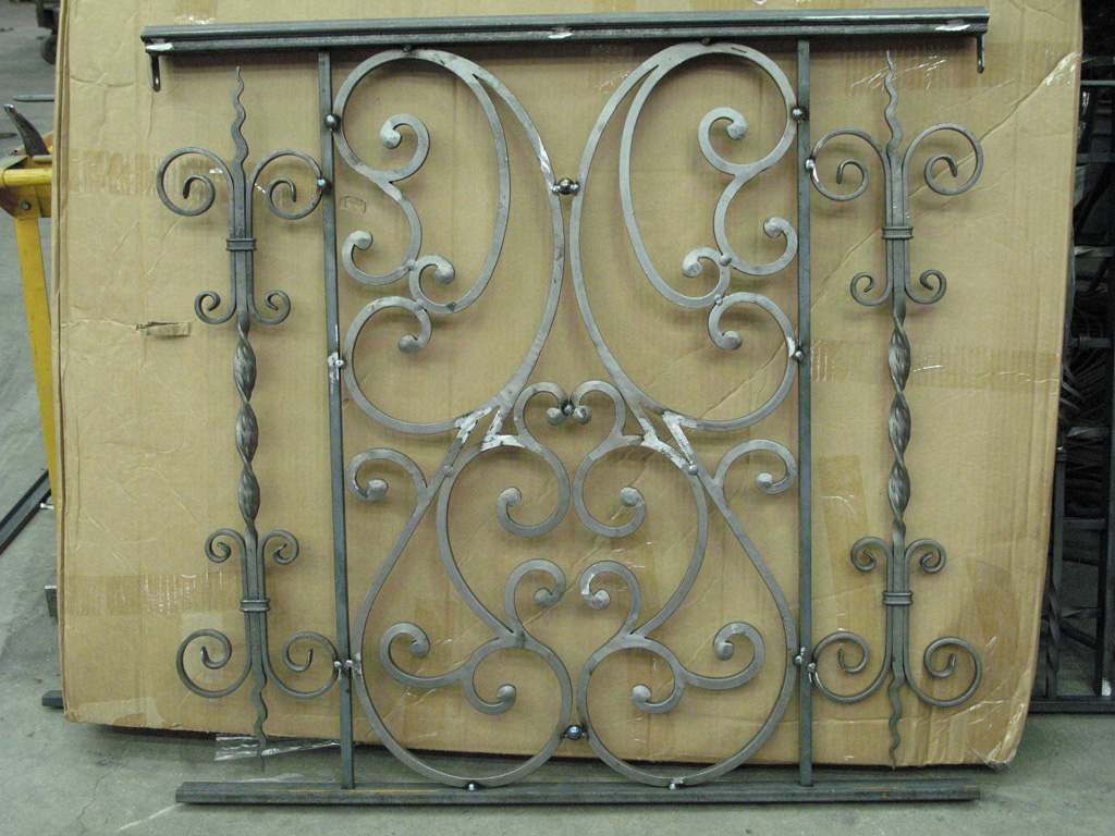 iron-anvil-railing-scrolls-and-patterns-double-panels-castings-hopkins-interior-highland-1