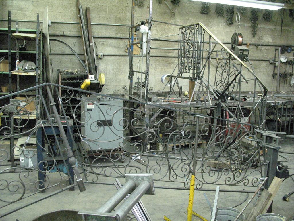 iron-anvil-railing-scrolls-and-patterns-european-12-455-messina-g