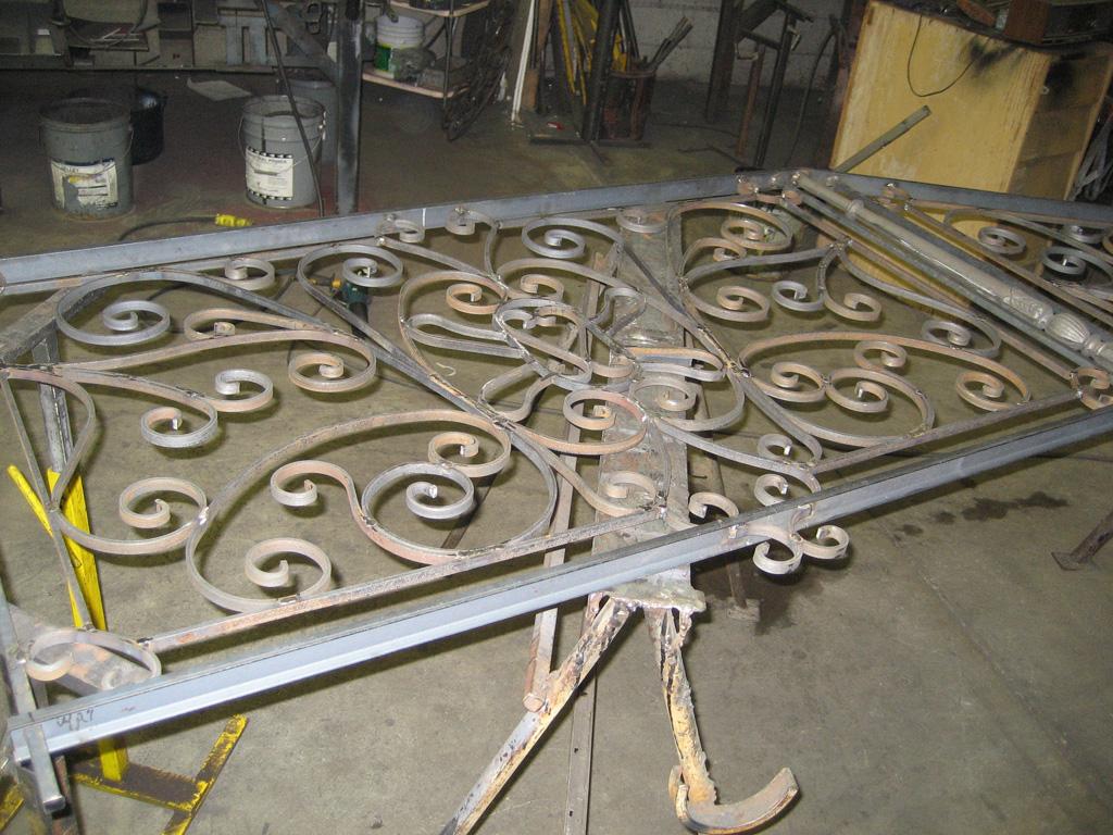 iron-anvil-railing-scrolls-and-patterns-european-12-455-messina-h