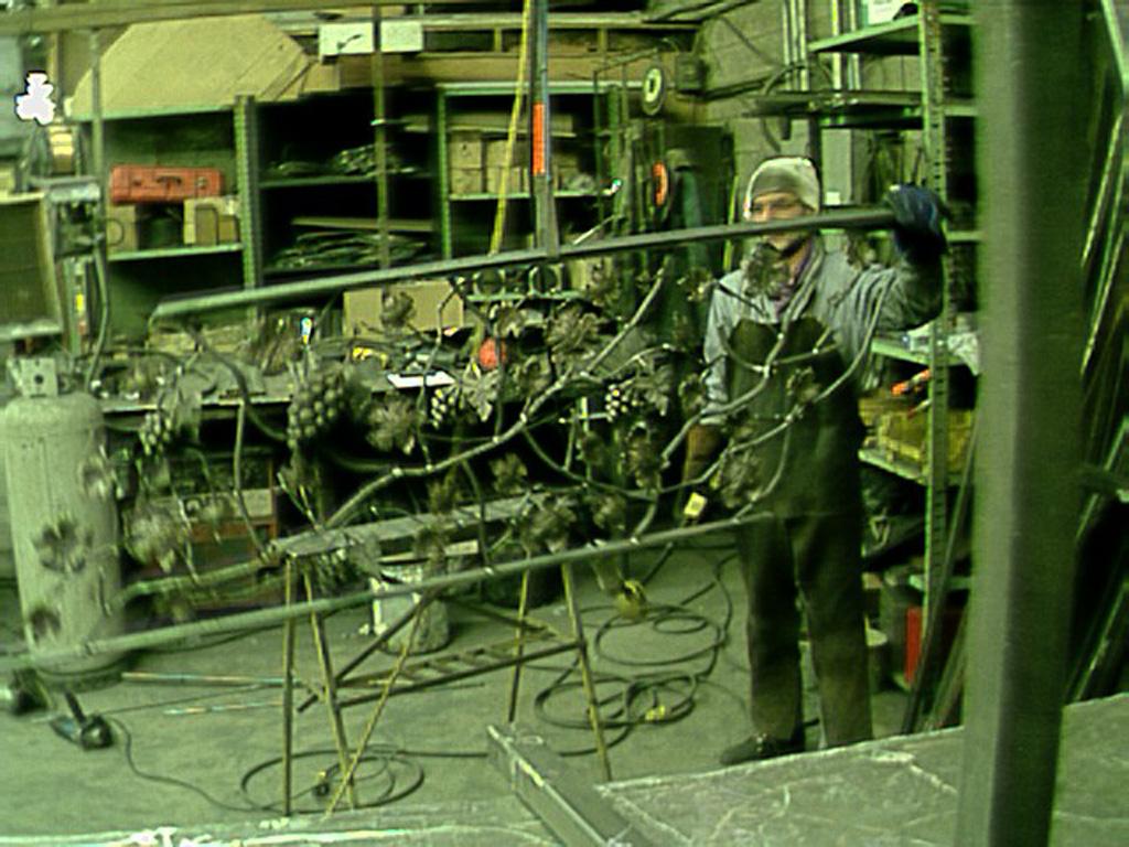 iron-anvil-railing-scrolls-and-patterns-misc-vine-grape-heavy-apollo-granite-grape-a-construction-6