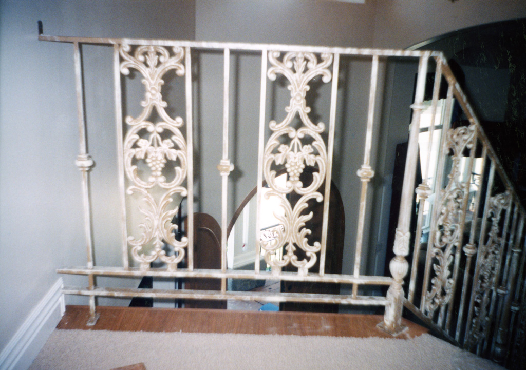 iron-anvil-railing-scrolls-and-patterns-panels-castings-12-1064-2