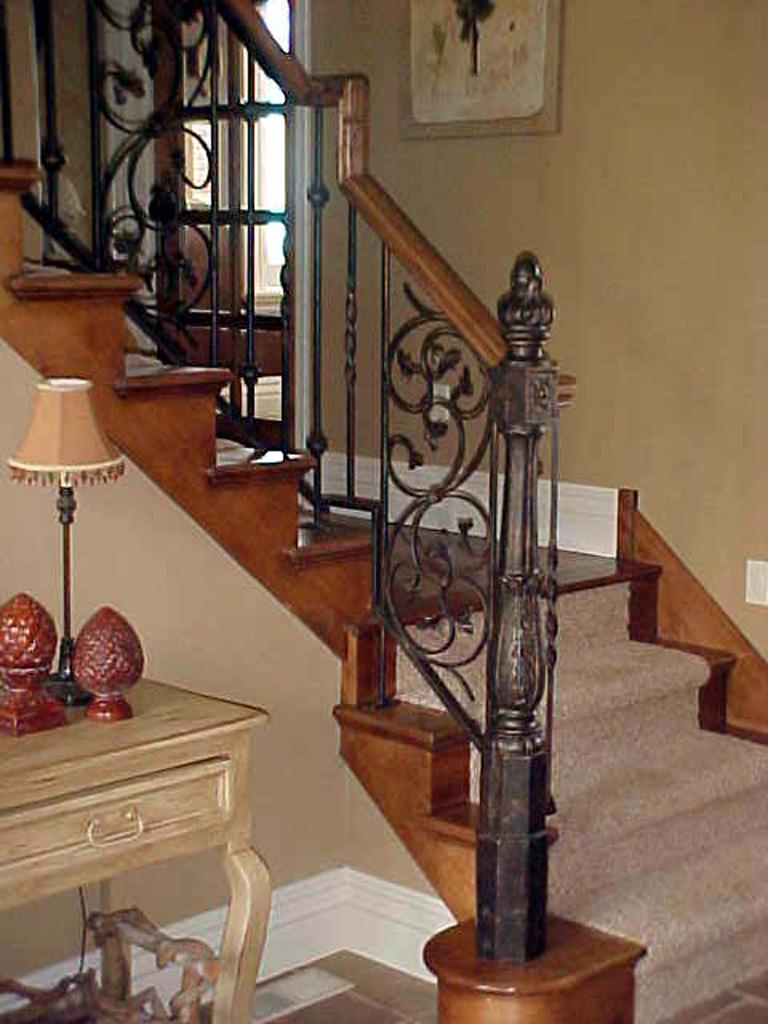 iron-anvil-railing-scrolls-and-patterns-panels-castings-njm-home-show-rail-draper-lot-95-r106-r107-r108-2