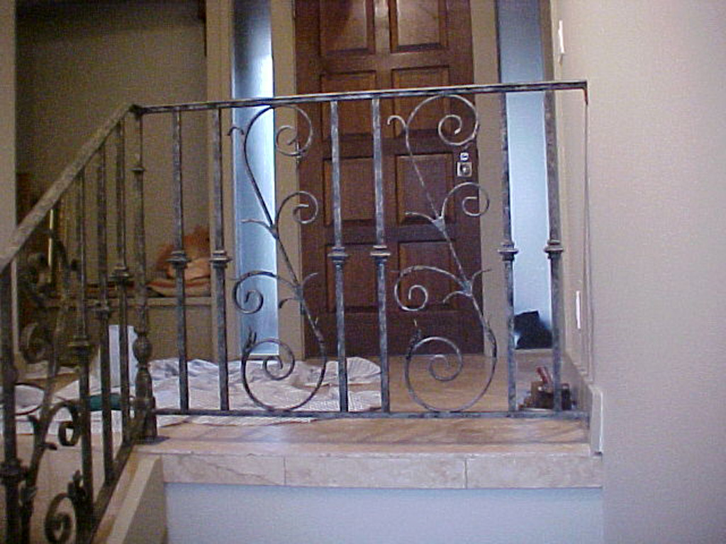 iron-anvil-railing-scrolls-and-patterns-panels-castings-r148-with-scroll-3