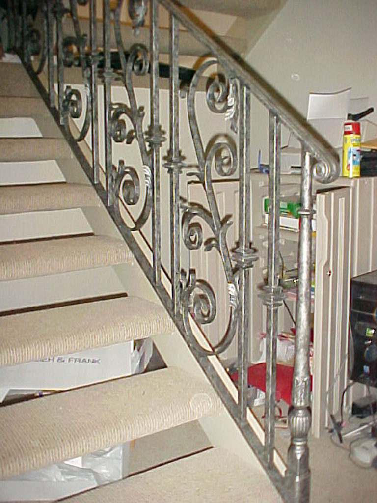 iron-anvil-railing-scrolls-and-patterns-panels-castings-r148-with-scroll-4
