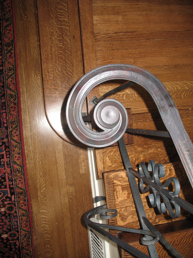 iron-anvil-railing-scrolls-and-patterns-picket-castings-misc-anitque-3-3