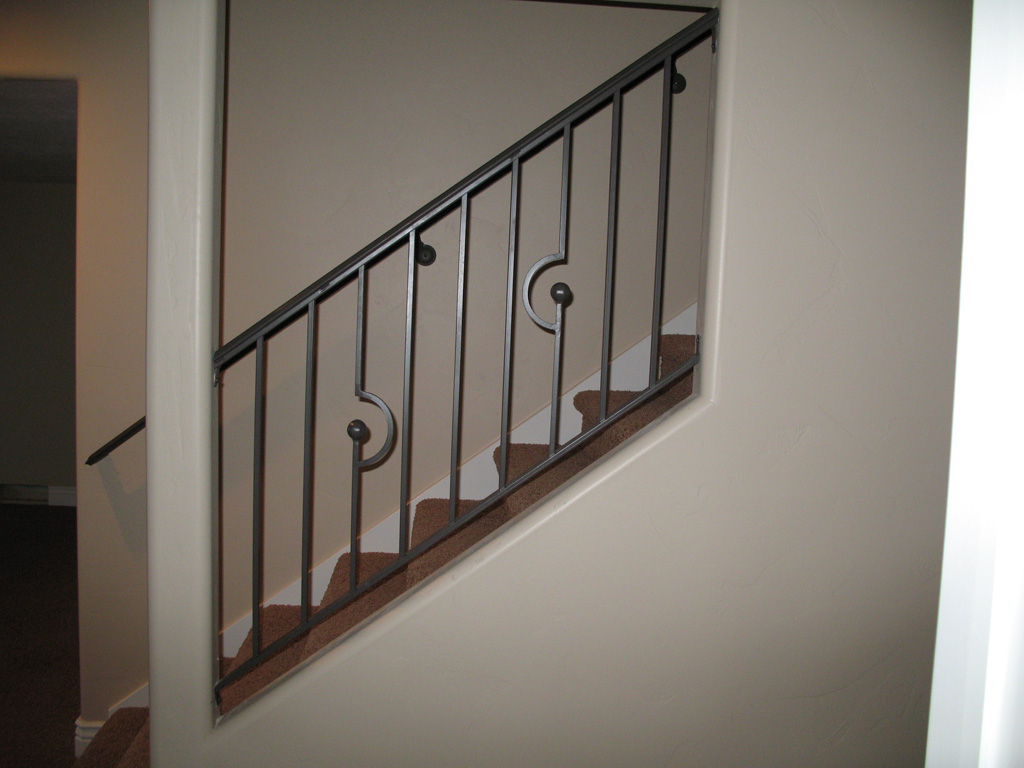 iron-anvil-railing-scrolls-and-patterns-picket-castings-simple-c-and-ball-gold-medallion-c-and-ball-3