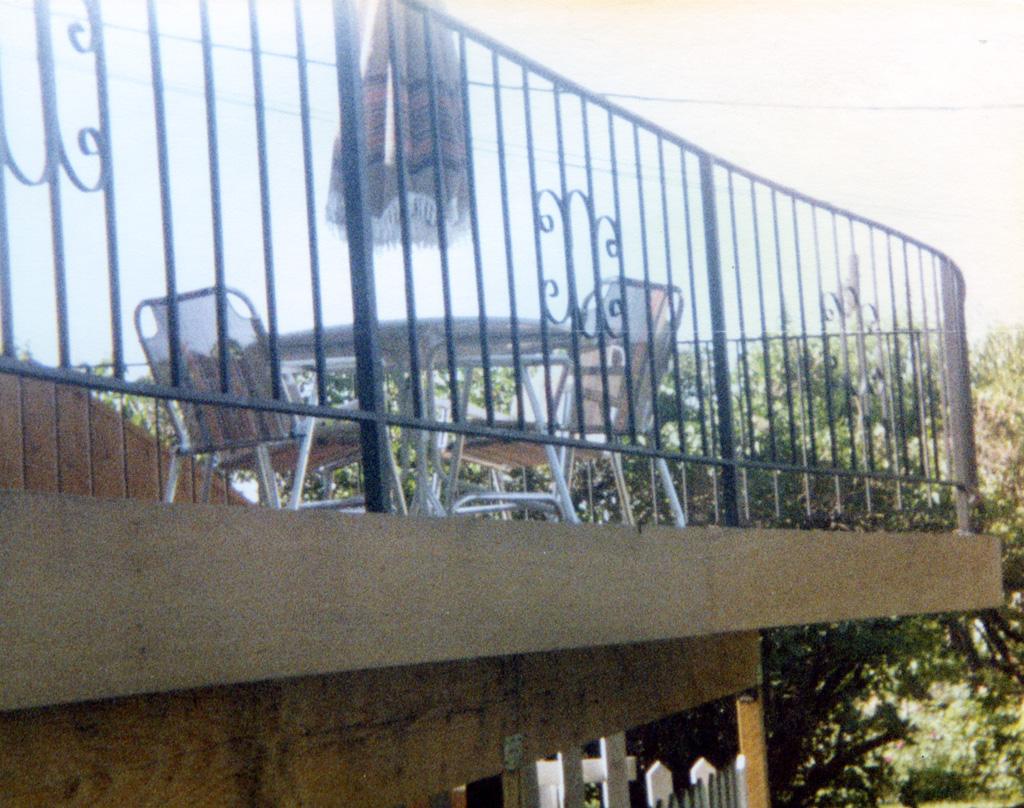 iron-anvil-railing-scrolls-and-patterns-picket-castings-simple-steel-pattern-xx-xx13-062-1