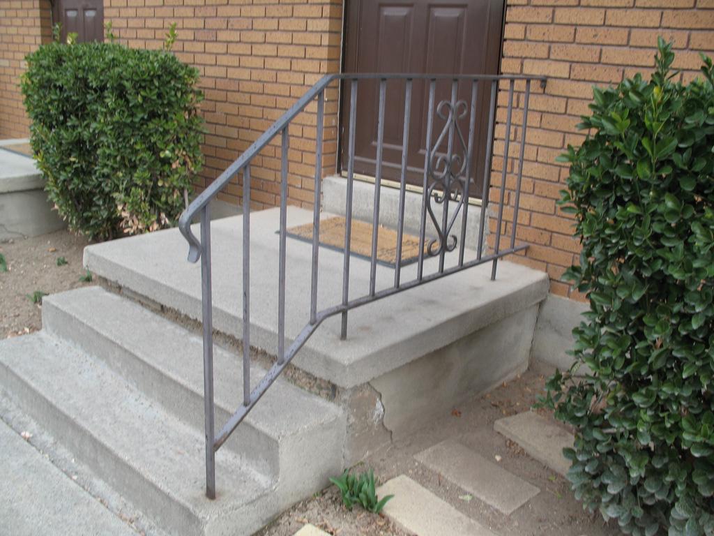 iron-anvil-railing-scrolls-and-patterns-picket-castings-simple-steel-pattern-xx-xx13-062-2