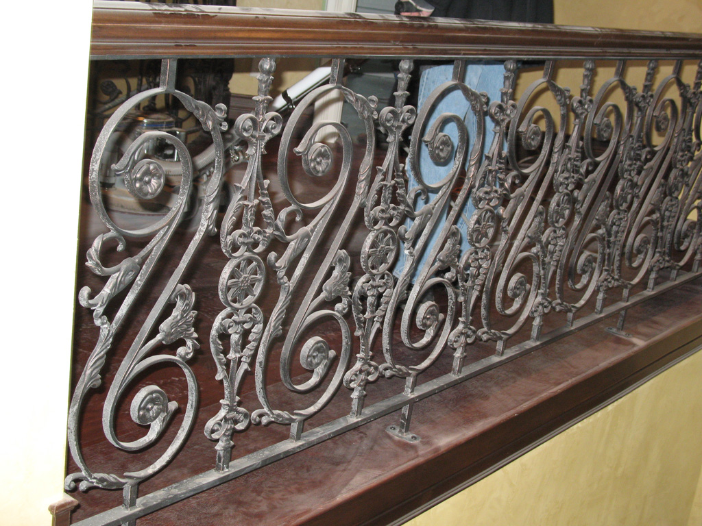 iron-anvil-railing-scrolls-and-patterns-repeating-casting-rail-integrated-13084-3