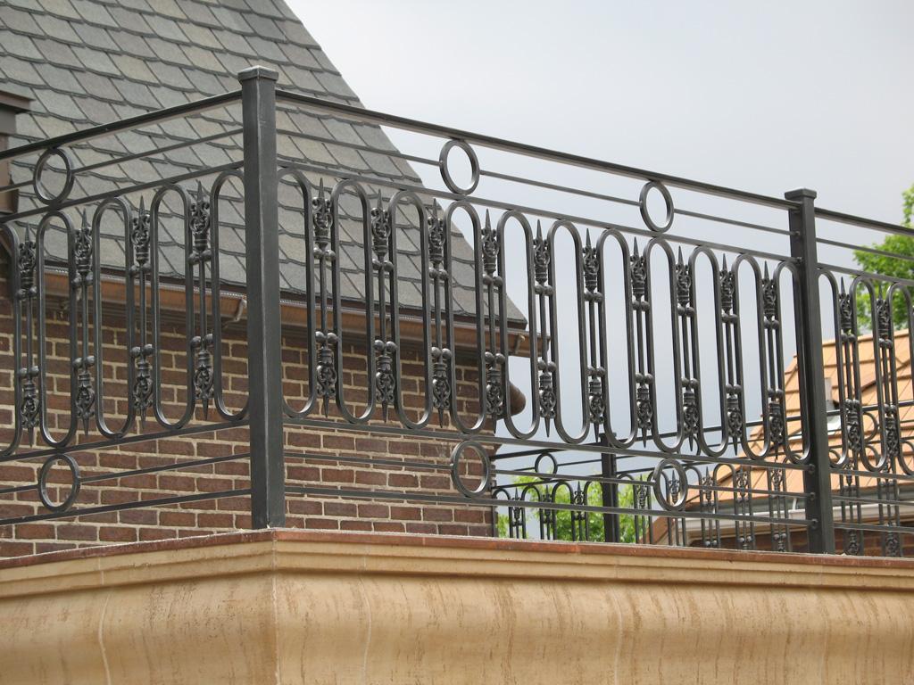 iron-anvil-railing-scrolls-and-patterns-repeating-circles-la-brett-job-14197-peter-mousdkondis-7