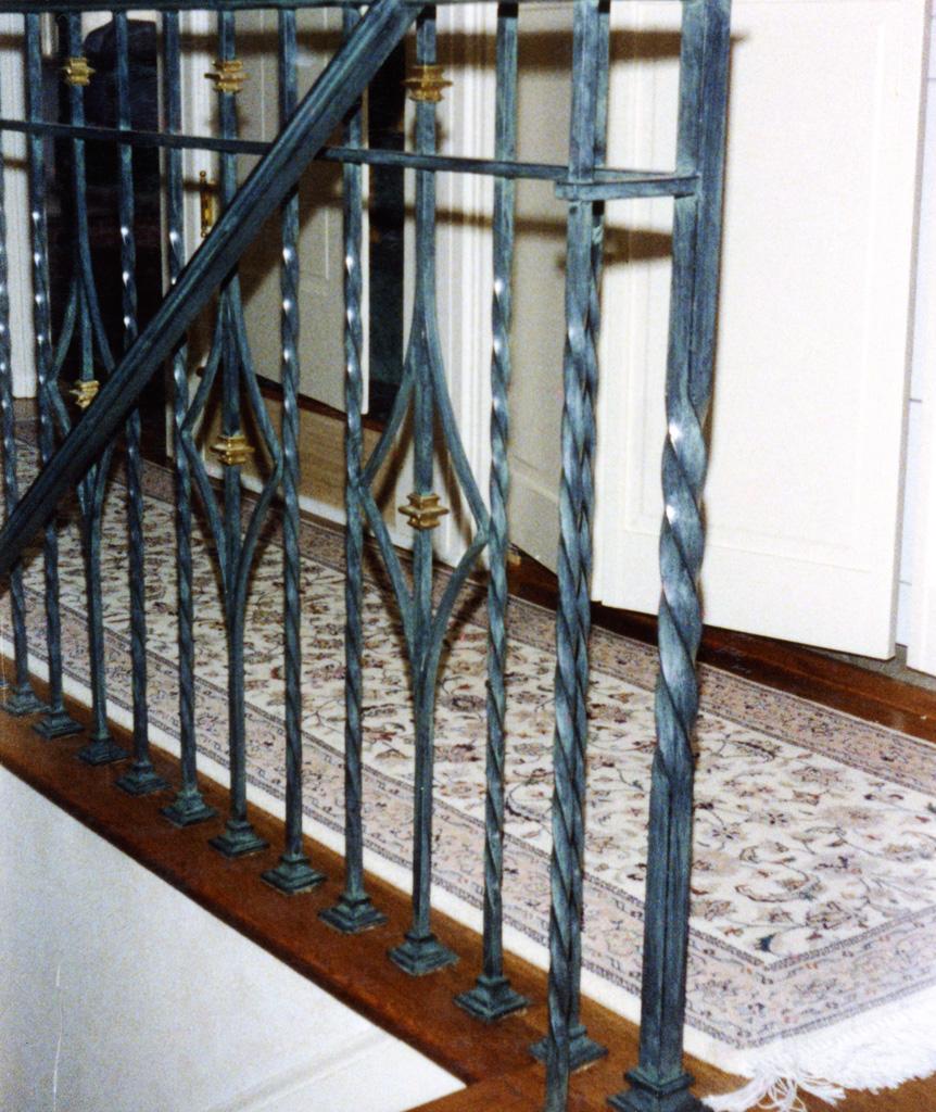 iron-anvil-railing-scrolls-and-patterns-repeating-collars-diamond-twist-10-41502-diamond-picket