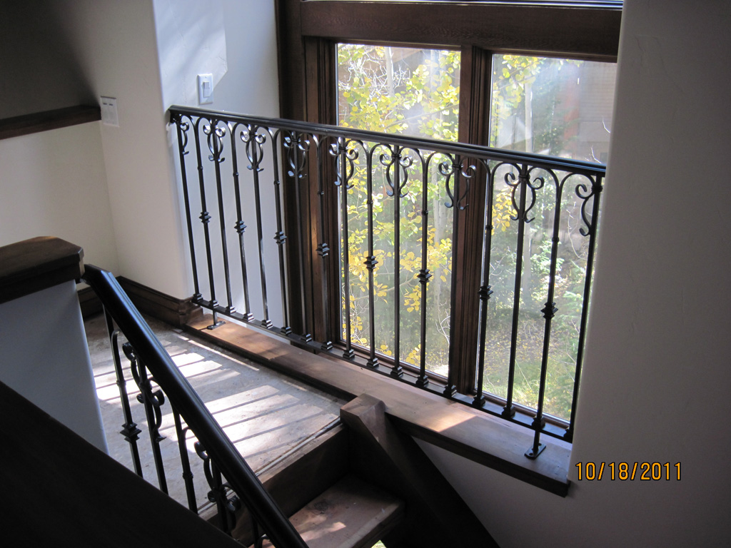 iron-anvil-railing-scrolls-and-patterns-repeating-collars-scroll-silver-lake-park-city-10