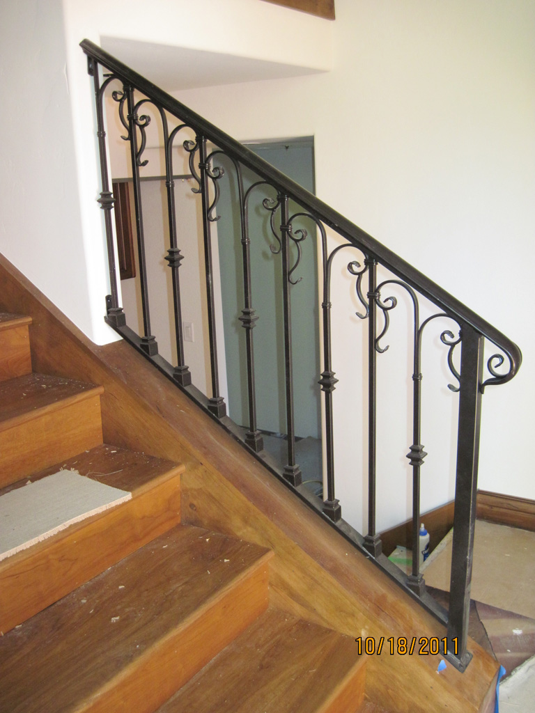 iron-anvil-railing-scrolls-and-patterns-repeating-collars-scroll-silver-lake-park-city-2