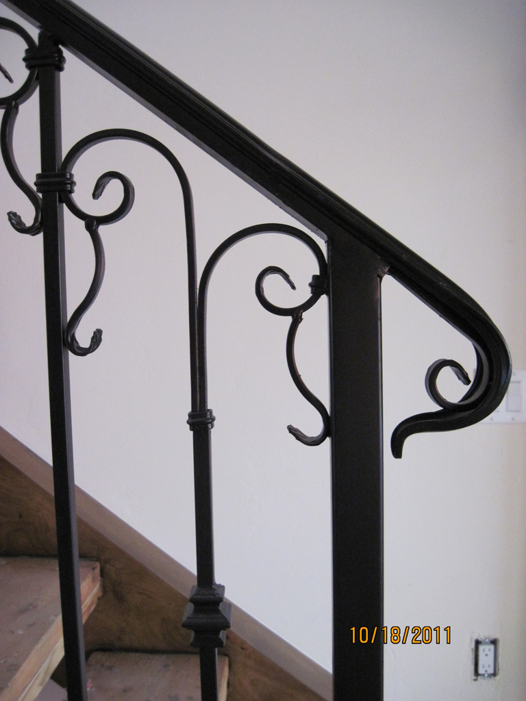 iron-anvil-railing-scrolls-and-patterns-repeating-collars-scroll-silver-lake-park-city-6