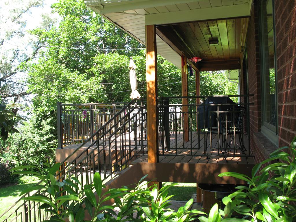 iron-anvil-railing-scrolls-and-patterns-repeating-grid-rail-goldthorpe-2
