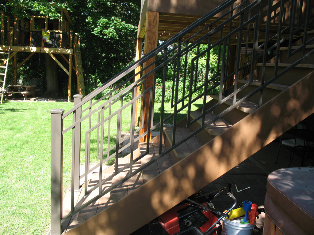 iron-anvil-railing-scrolls-and-patterns-repeating-grid-rail-goldthorpe-3