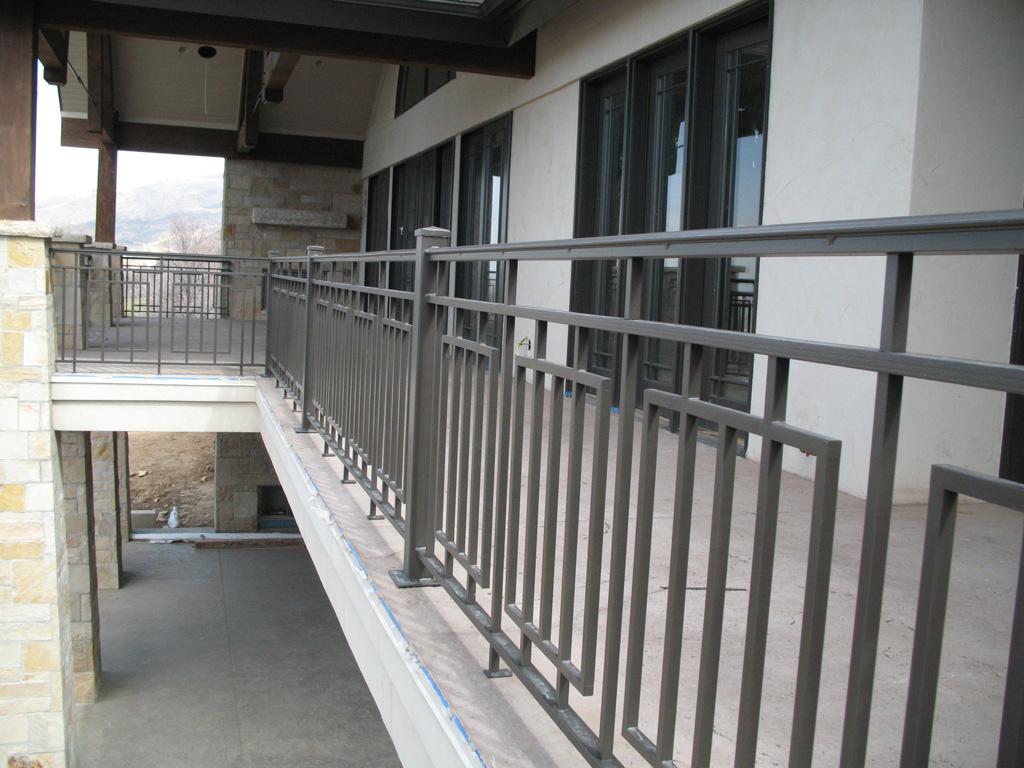 iron-anvil-railing-scrolls-and-patterns-repeating-grid-rail-goldthorpe-5