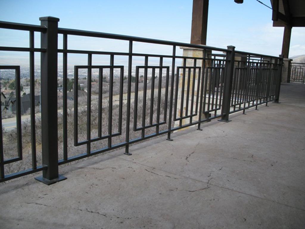 iron-anvil-railing-scrolls-and-patterns-repeating-grid-rail-goldthorpe-6