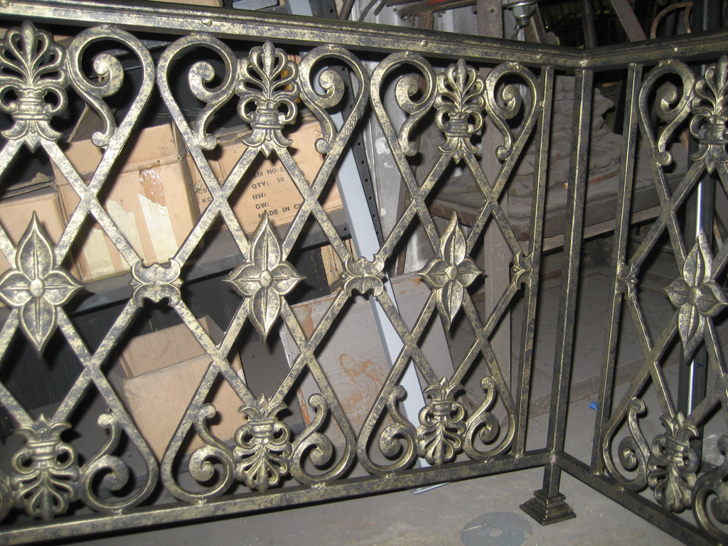 iron-anvil-railing-scrolls-and-patterns-repeating-restaurant-sugar-house-1