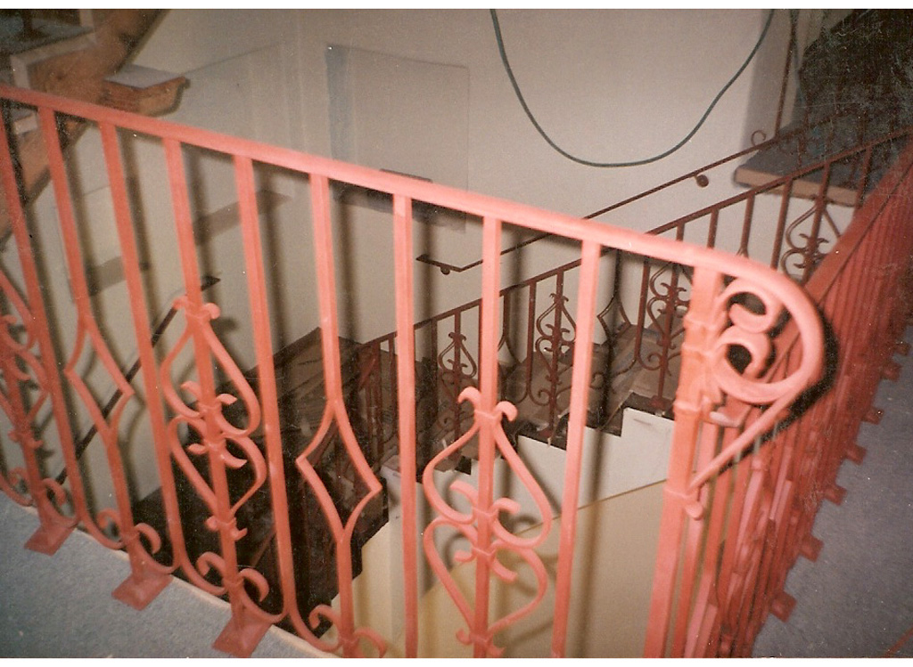 iron-anvil-railing-scrolls-and-patterns-repeating-steel-patterns-palm-spring-hospital-balcony-copy-2-3
