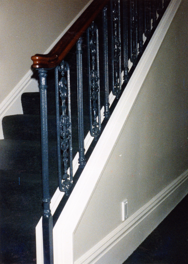 iron-anvil-railing-scrolls-and-patterns-repeating-steel-patterns-white-railing-by-others-1-4