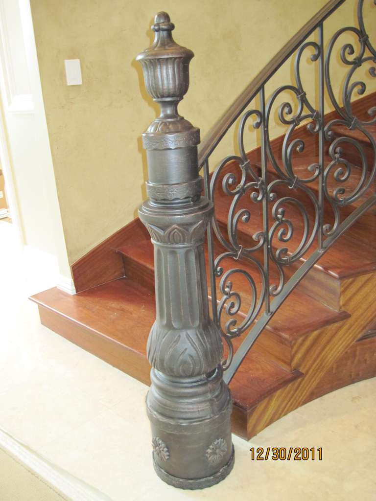 iron-anvil-railing-scrolls-and-patterns-repeating-stonebrook-tate-post-2