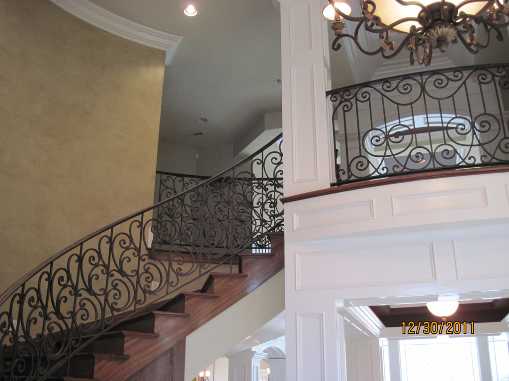 iron-anvil-railing-scrolls-and-patterns-repeating-stonebrook-tate-post-c