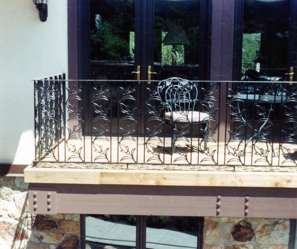 iron-anvil-railing-scrolls-and-patterns-repeating-tulip-12-4030