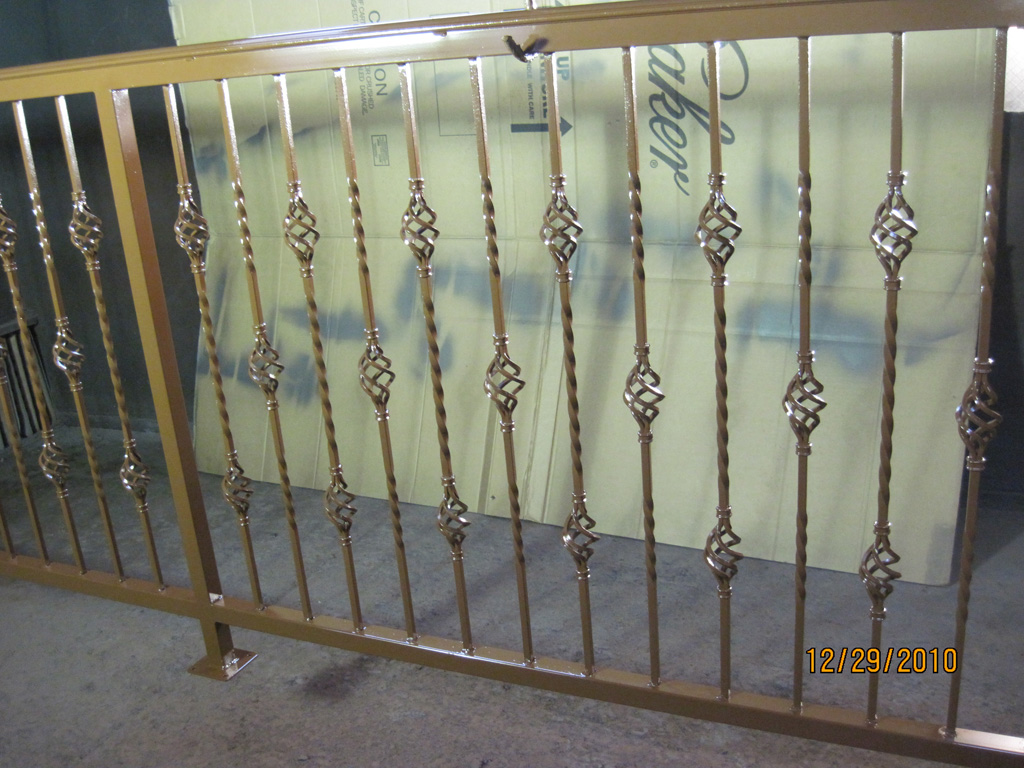 iron-anvil-railing-single-top-basket-wendover-bird-nest-rail